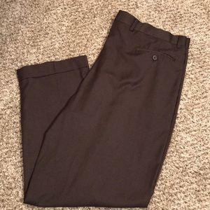 Roundtree & Yorke Easy Care Brown Slacks | 40x29